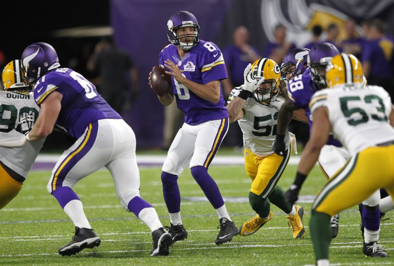 12d5cf43 Bradford leads Vikings over Packers 17-14 in Minnesota debut