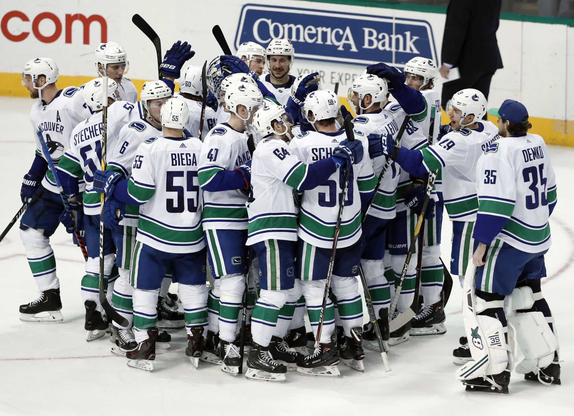 Leivo scores in shootout, Canucks beat Stars 3-2