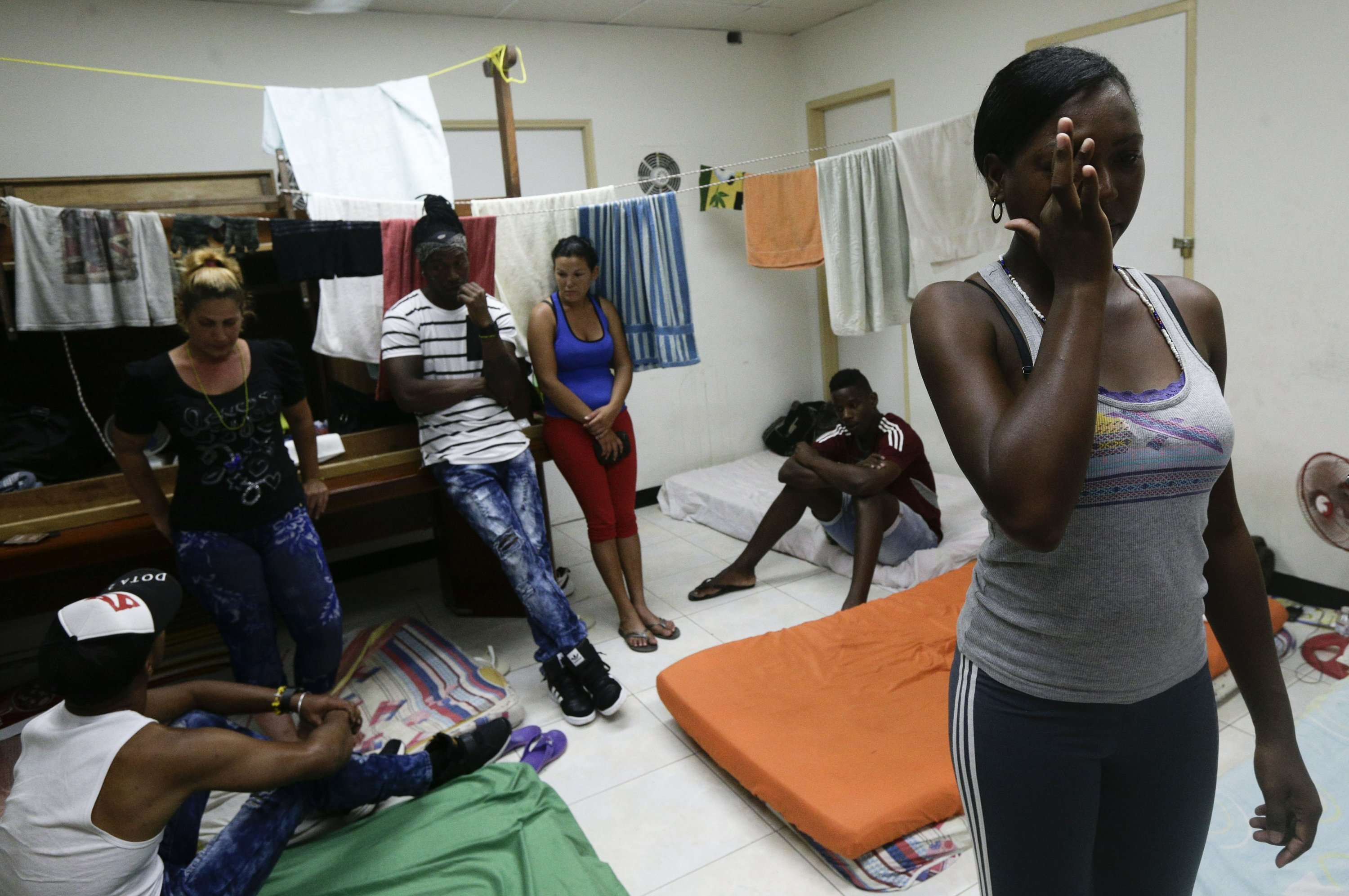 US policy change on Cuban migrants leaves many stranded