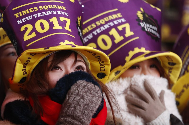 71b9e17e1 Revelers say hello to 2017, goodbye to a year of conflicts