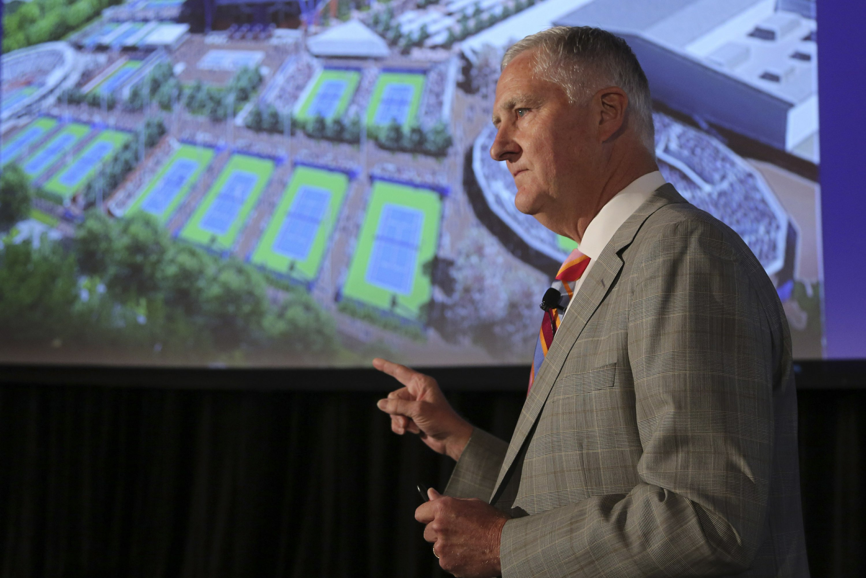 Longtime USTA CEO Gordon Smith to retire at end of year