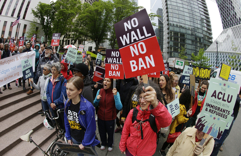 Appeals court: Grandparents not part of Trump's travel ban
