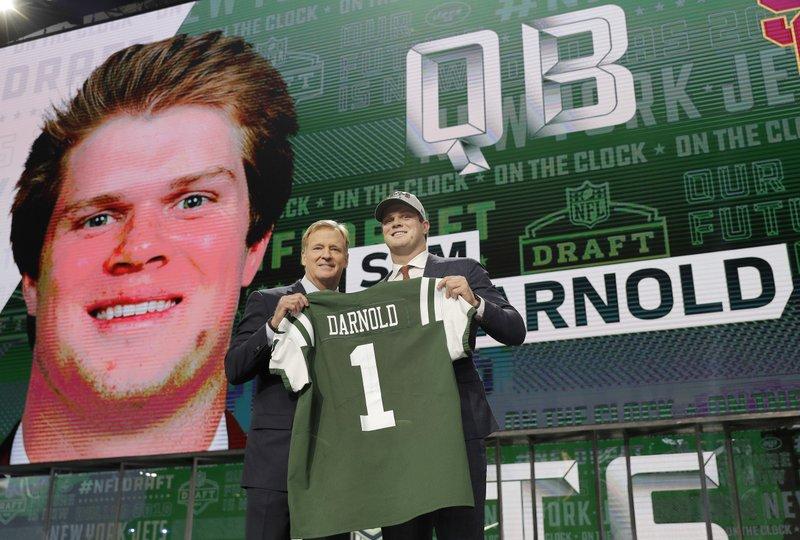 Jets Draft Usc Quarterback Sam Darnold With No 3 Pick