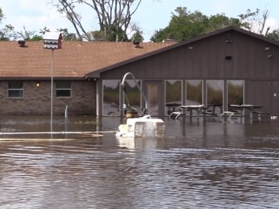 Raw: National Guard Searches Flooded Beaumont