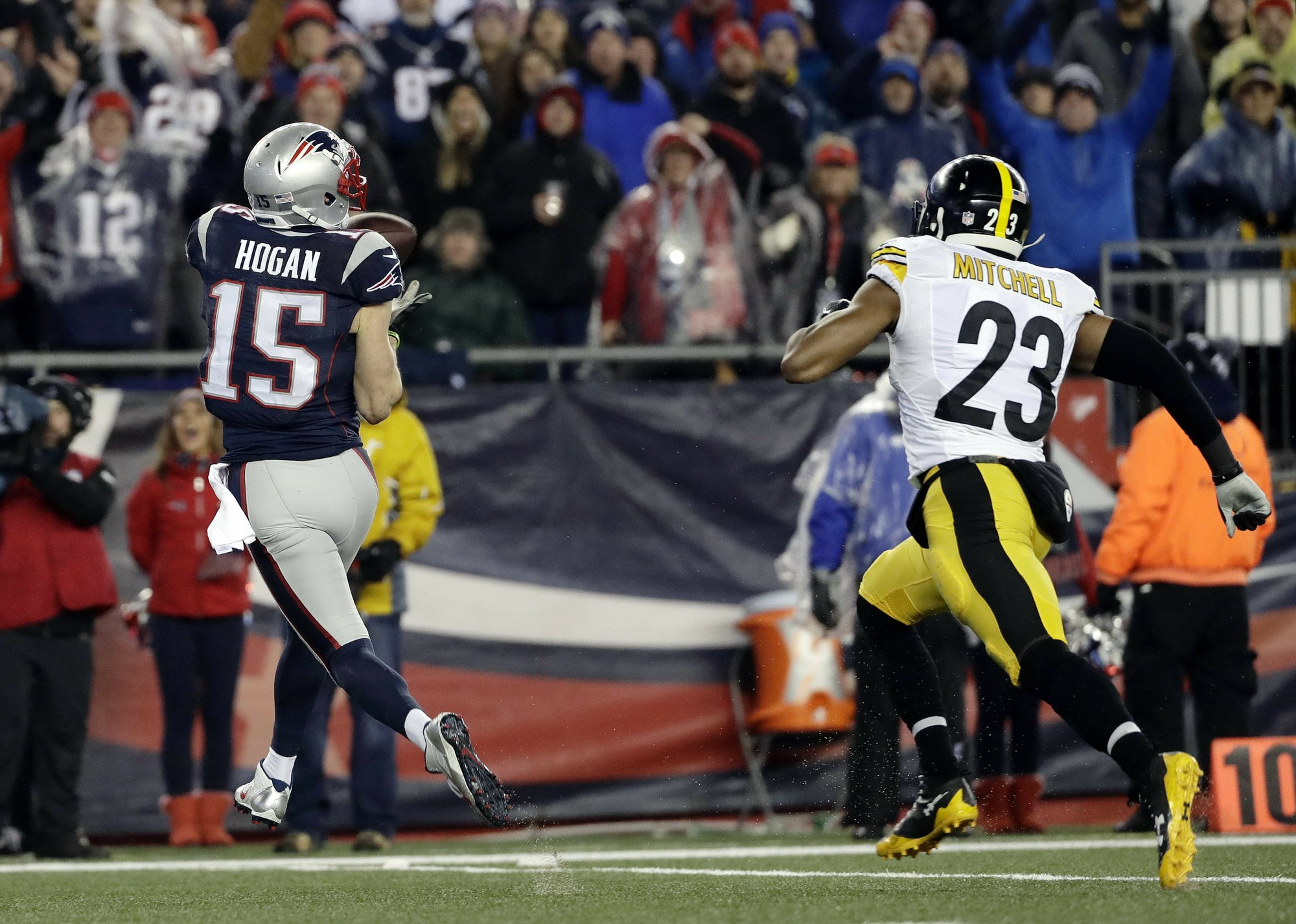 They re Back  Brady and Patriots win AFC fa7943eb5
