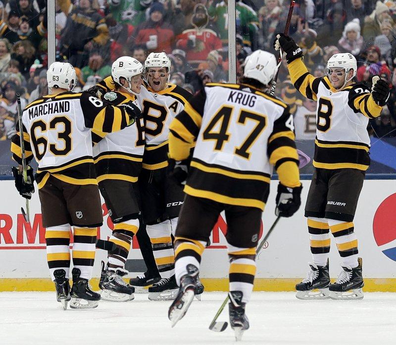 pretty nice 5f427 7b297 Pastrnak, Bruins beat Blackhawks 4-2 in Winter Classic