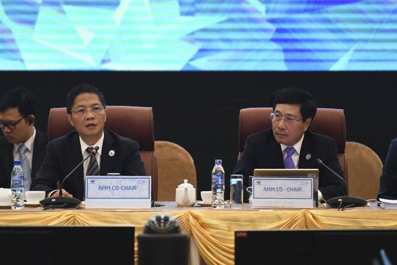 Pham Binh Minh, Tran Tuan Anh