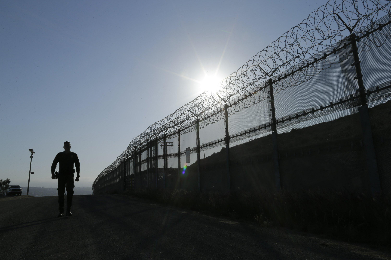 AP Exclusive: Lie detectors trip applicants at border agency
