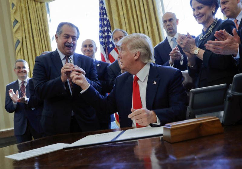 Donald Trump, Andrew Liveris