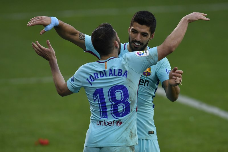 Jordi Alba, Luis Suarez