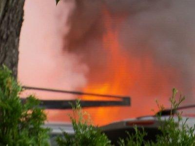 Raw: Fire Destroys Food Carts, Cars In Portland