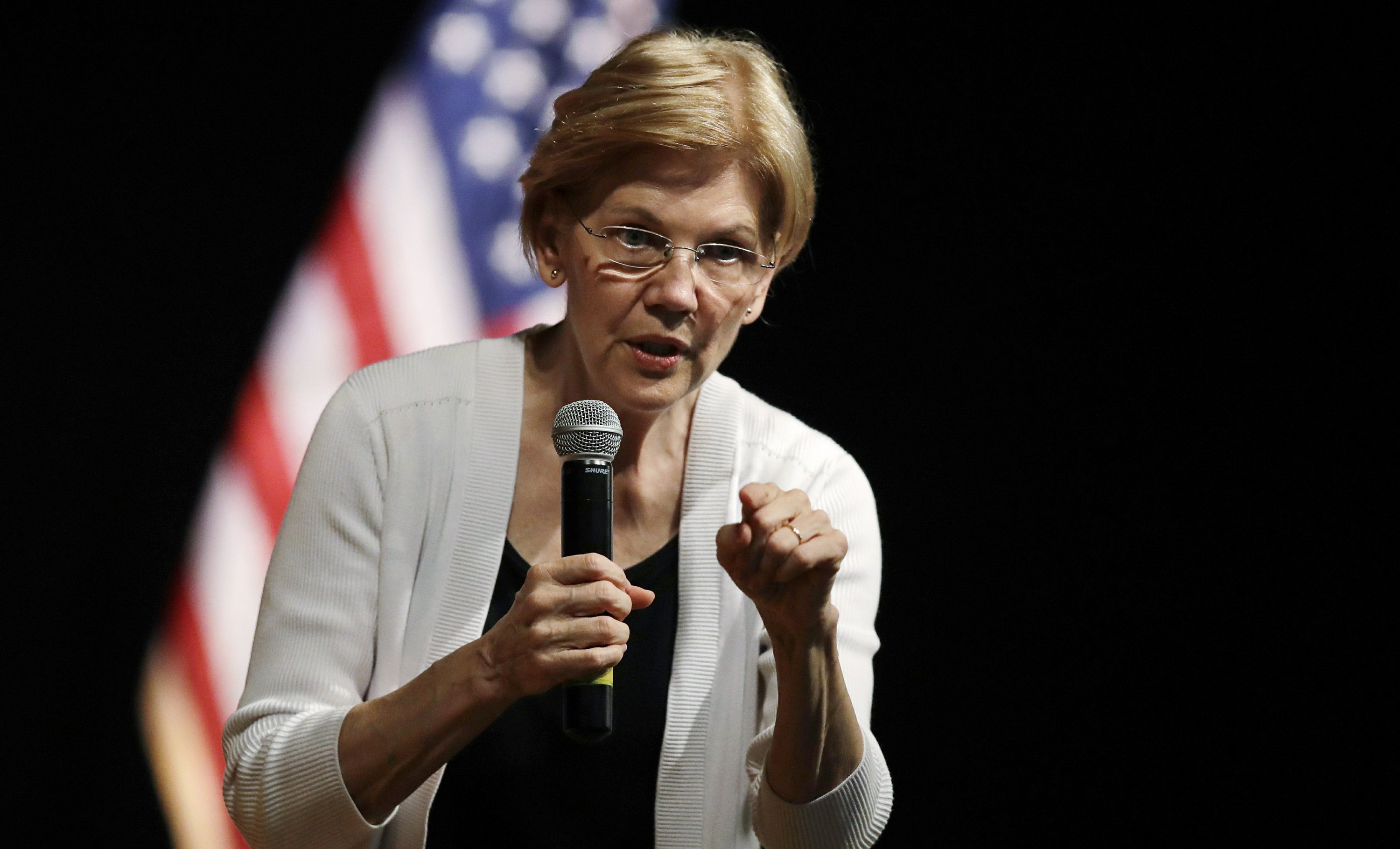 Trump lashes out at Warren over DNA test, calls her 'phony!'