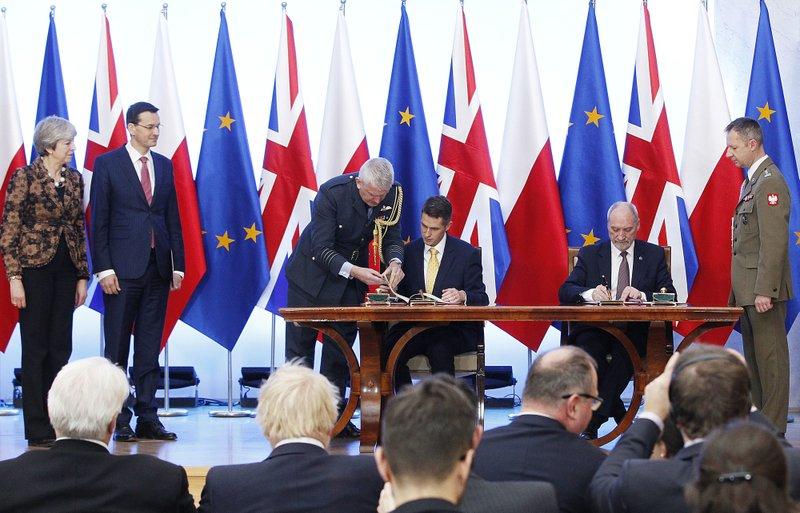 Theresa May, Mateusz Morawiecki, Gavin Williams, Antoni Maciarewicz