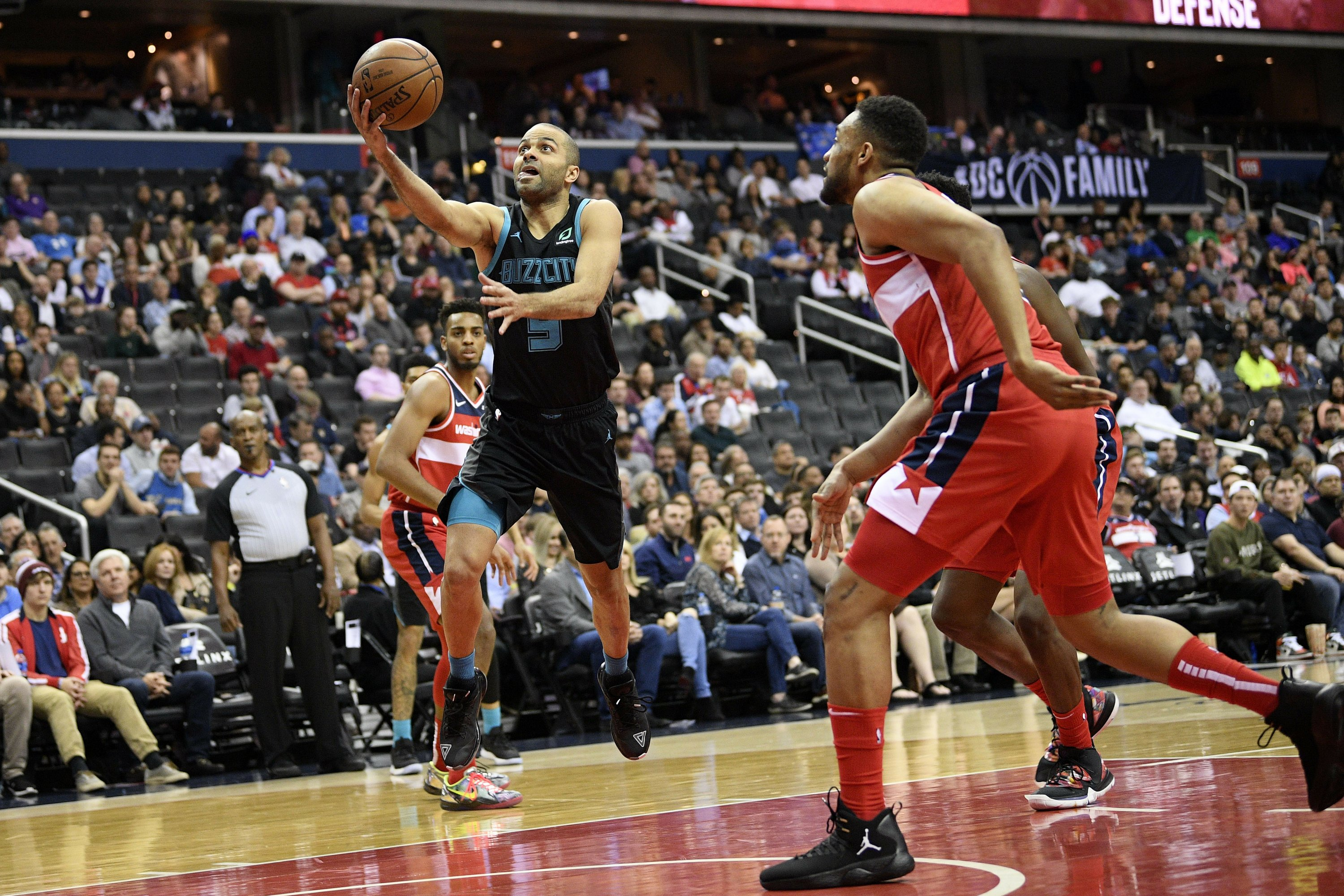 Nba Says Hornets Bucks Will Play In Paris In 2020