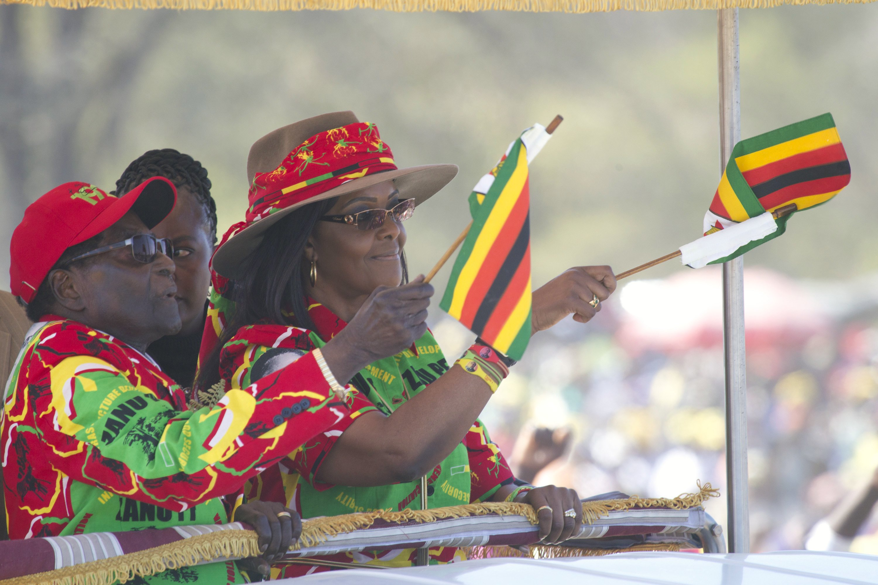 Wife of Zimbabwe's leader tells Mugabe to name successor