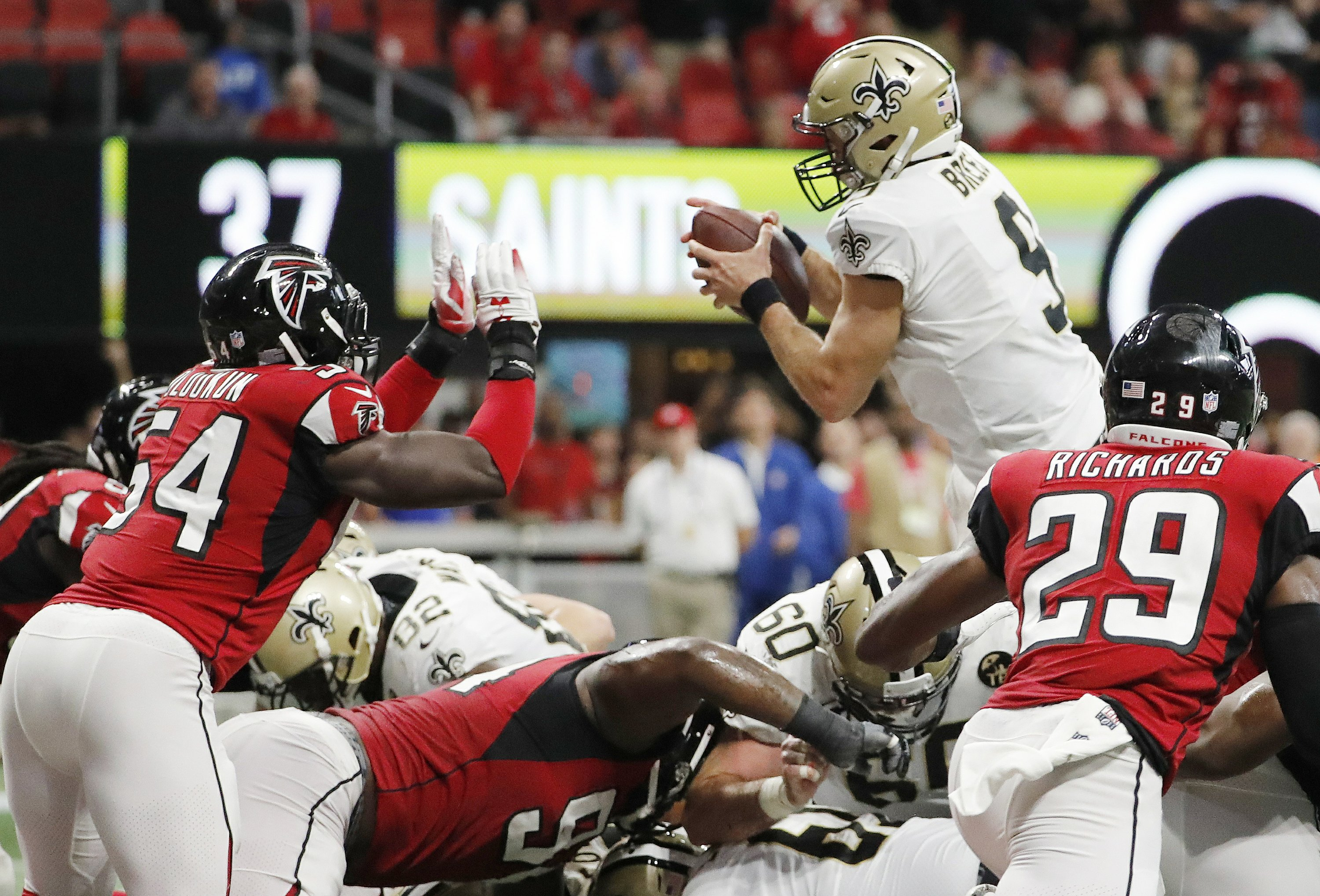 Drew Brees  TD run in OT lifts Saints past Falcons 43-37 0d09583e5