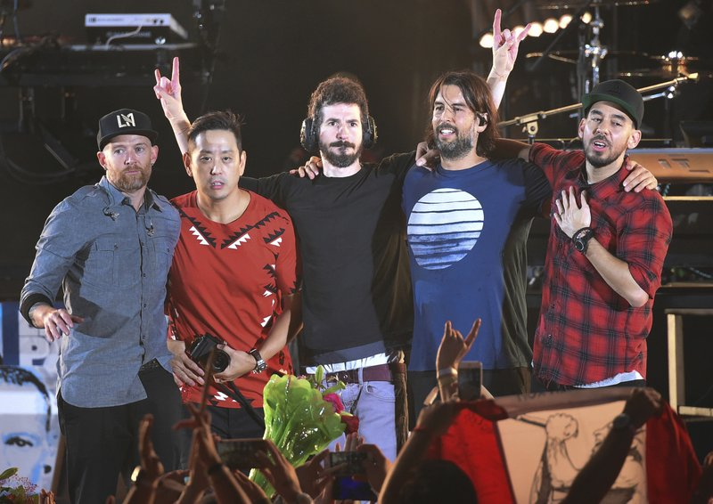 Linkin Park members, Dave Farrell, Joe Hahn, Brad Delson, Rob Bourdon, Mike Shinoda