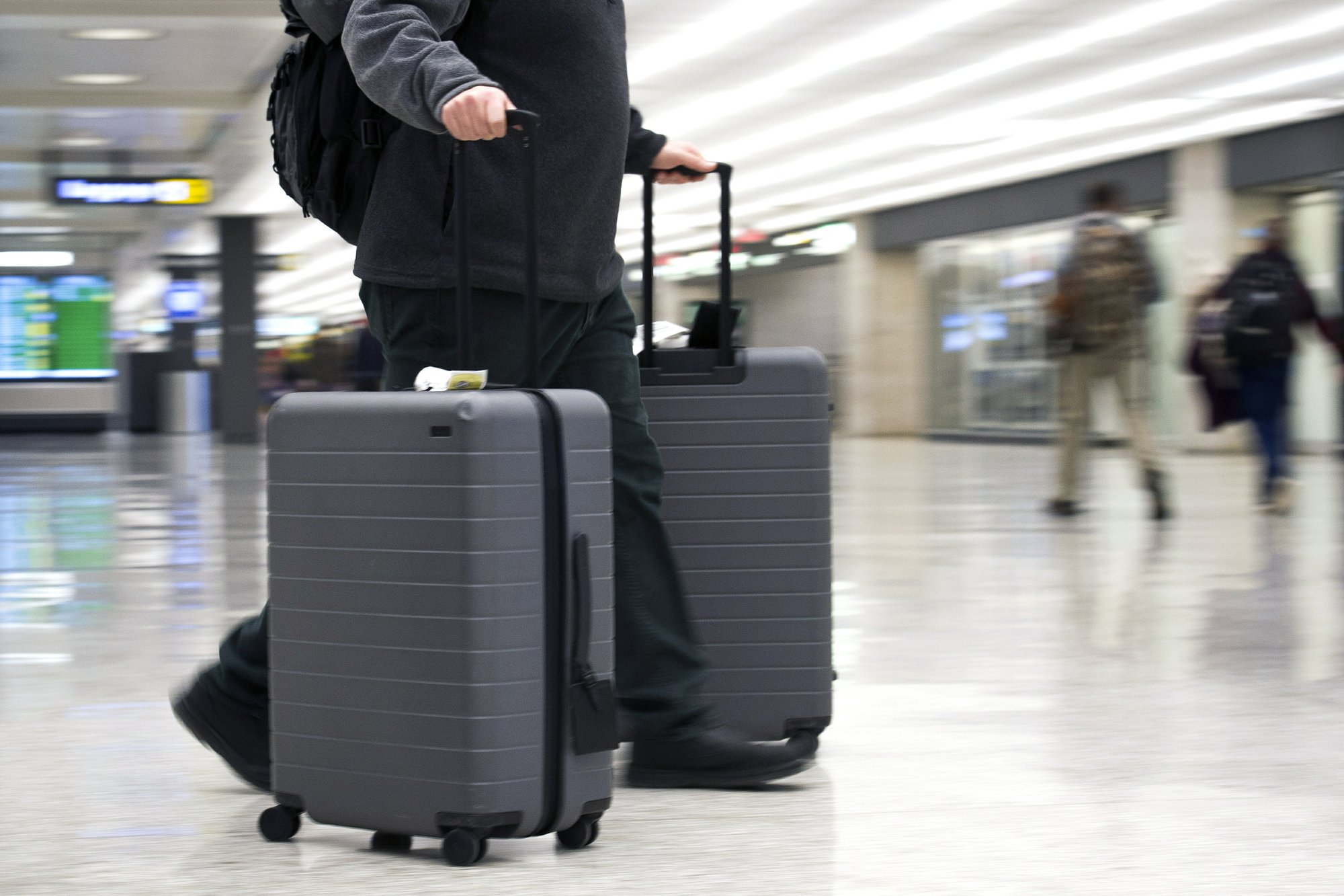 US searches of phones, laptops at airports rising, suit says