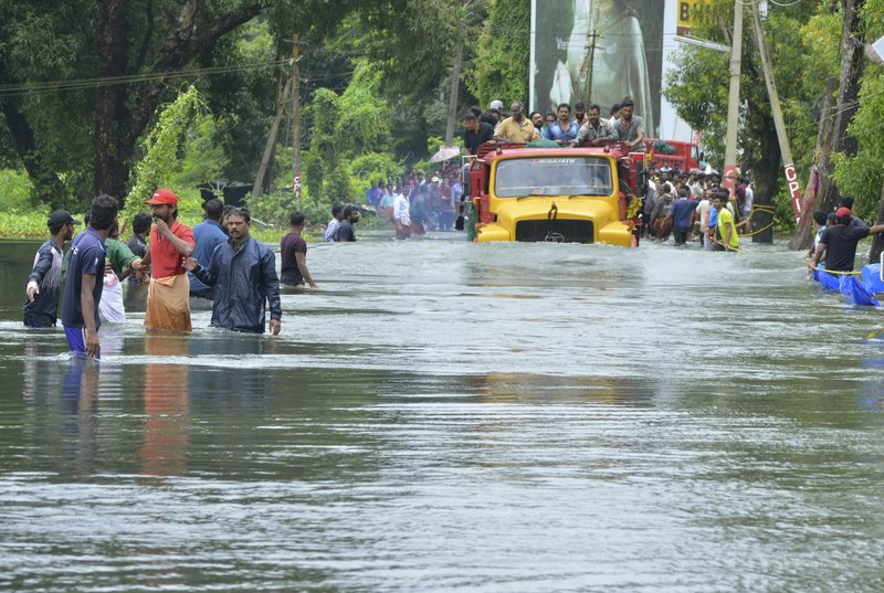 J&K govt gives Kerala Rs 2 cr for flood relief