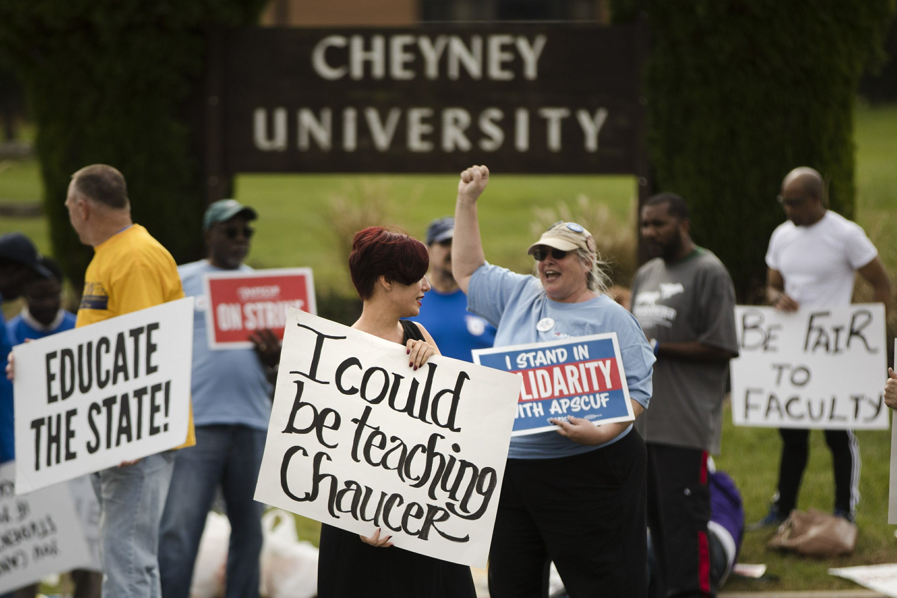 Pennsylvania professors agree to contract, end strike