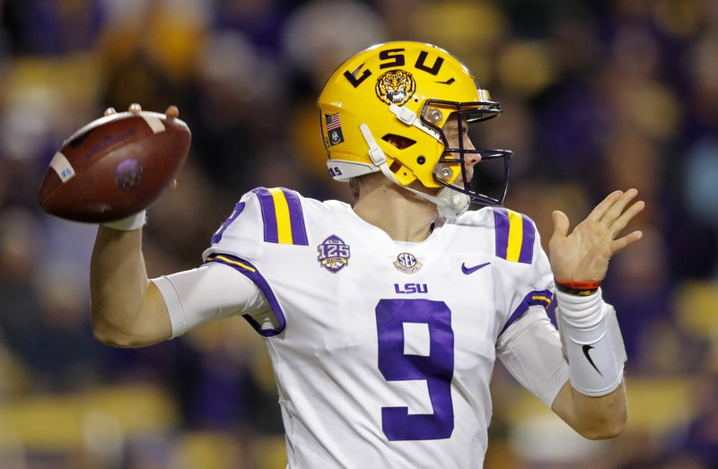 the best attitude 0cc4b 6a172 Burrow, No. 10 LSU open up offense in 42-10 win over Rice