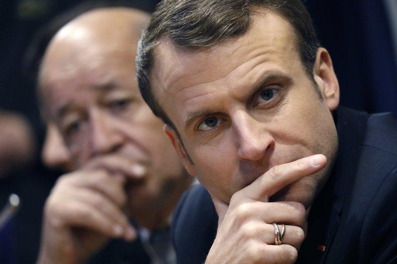 Emmanuel Macron, Jean-Yves Drian
