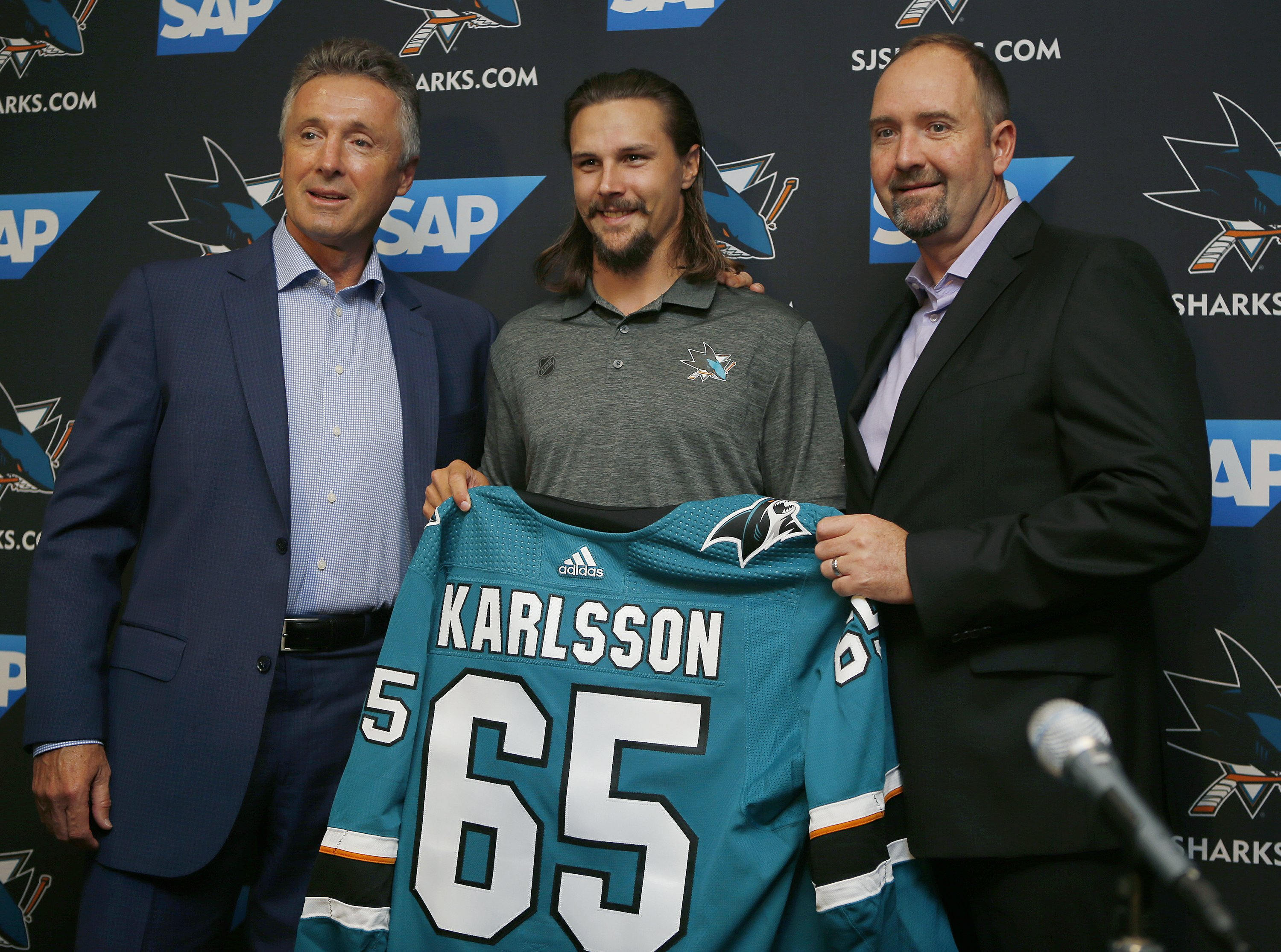 new styles 8719a 60399 Sharks add Erik Karlsson for big boost to blue line
