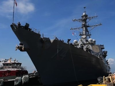 Navy ships leave Norfolk ahead of Florence