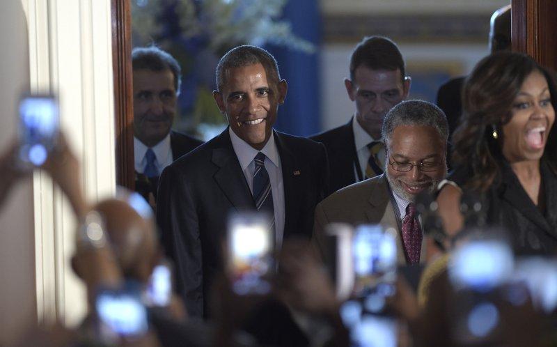 Barack Obama, Lonnie Bunch, Michelle Obama