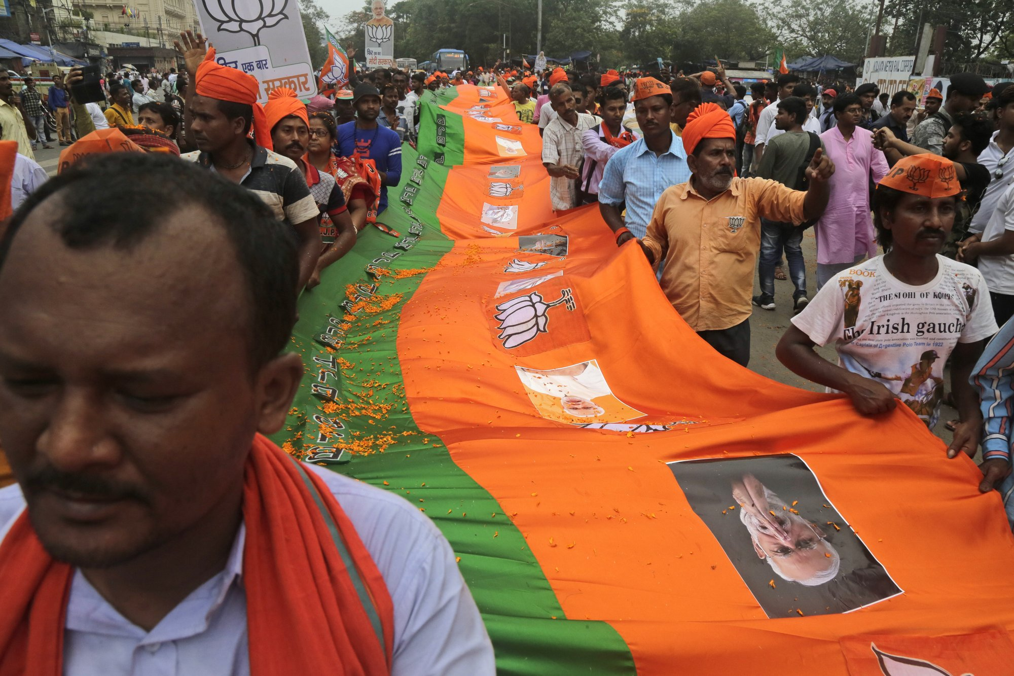 India's ruling party takes election battle to West Bengal