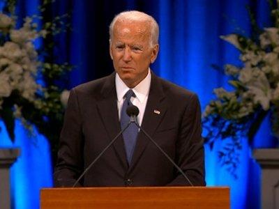 Biden pays tribute to McCain at Ariz. service