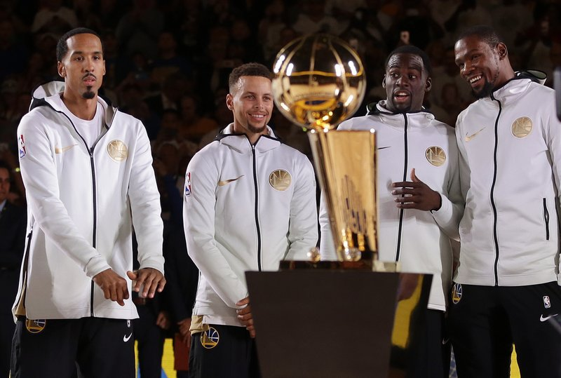 Stephen Curry, Kevin Durant, Shaun Livingston, Draymond Green