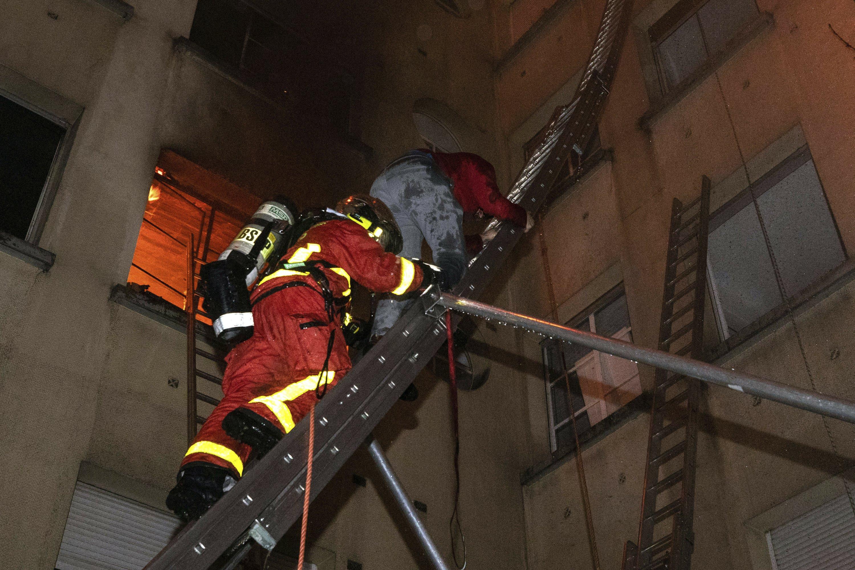 Deadly mazes: Paris architecture complicate fire rescues thumbnail