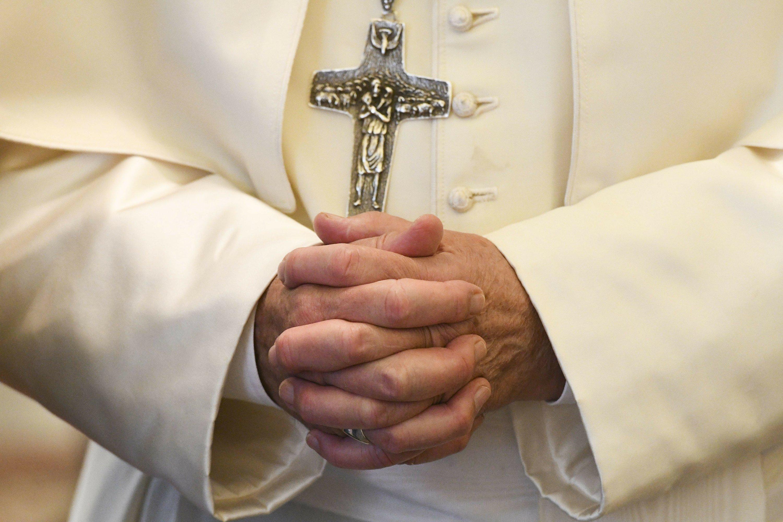Chile's bishops resign en masse over sex abuse cover-up