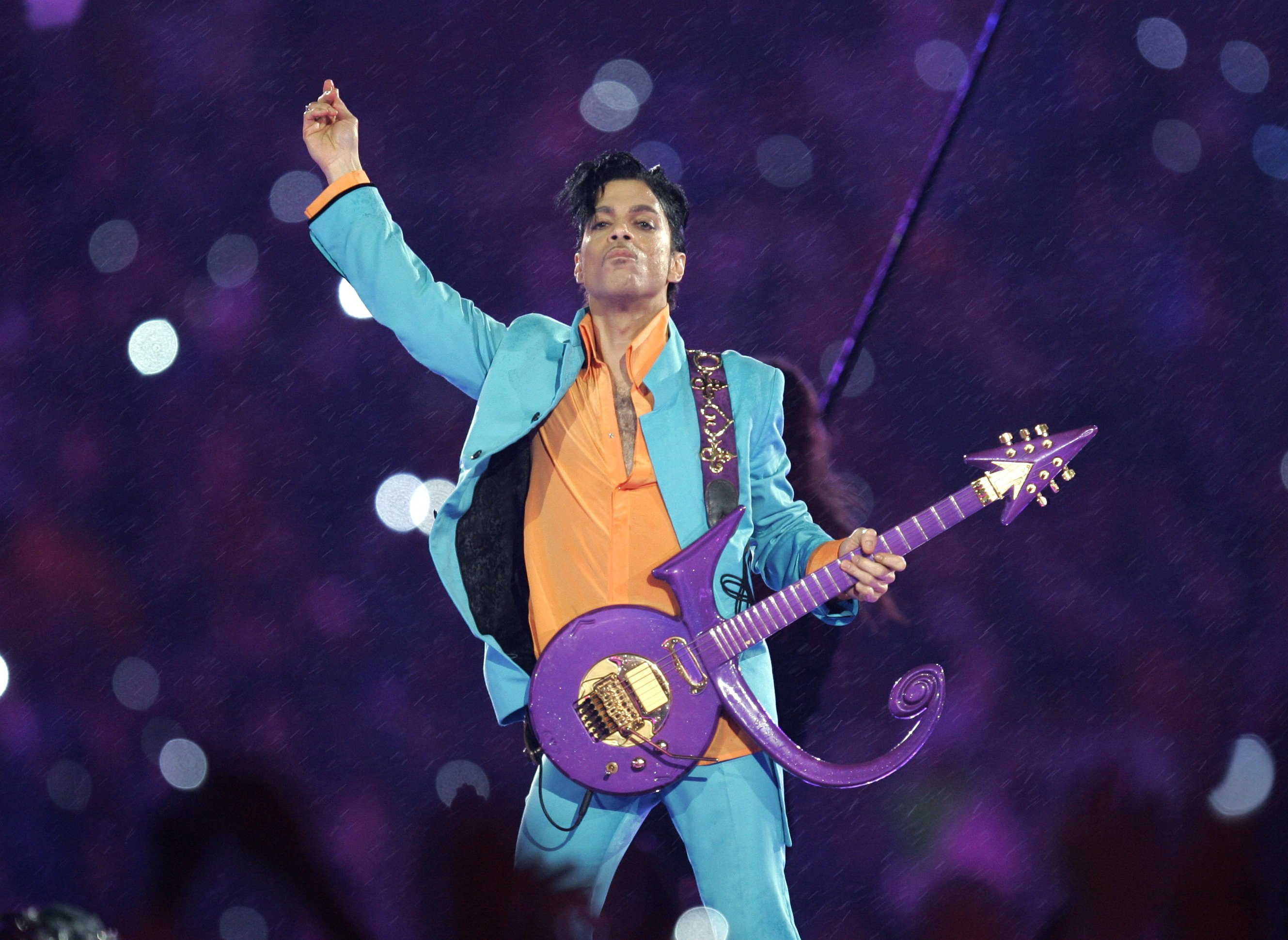 The Latest: Fentanyl in Prince's body was exceedingly high