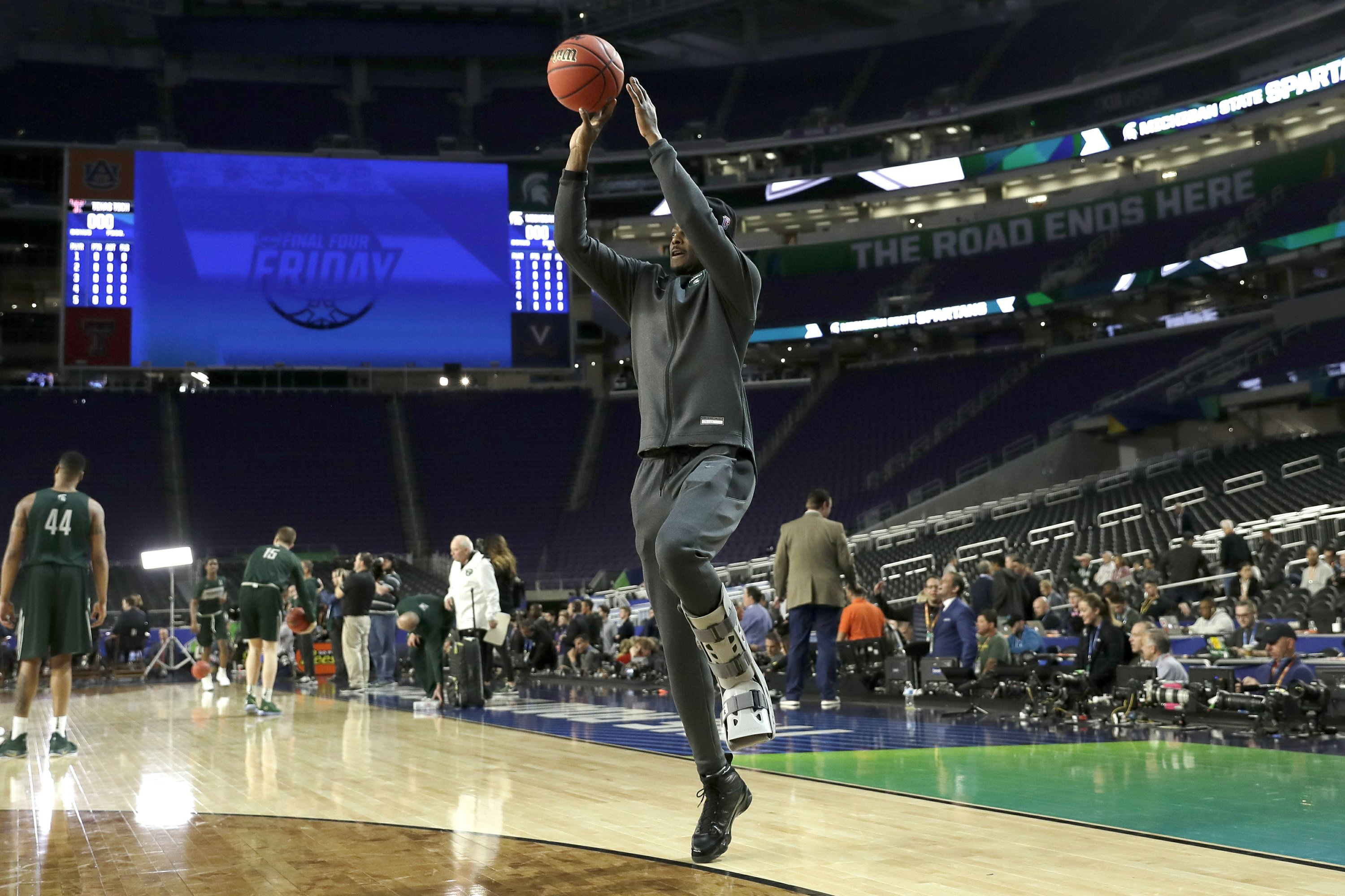 Injured Stars Making Mark At Final Four For Msu Auburn