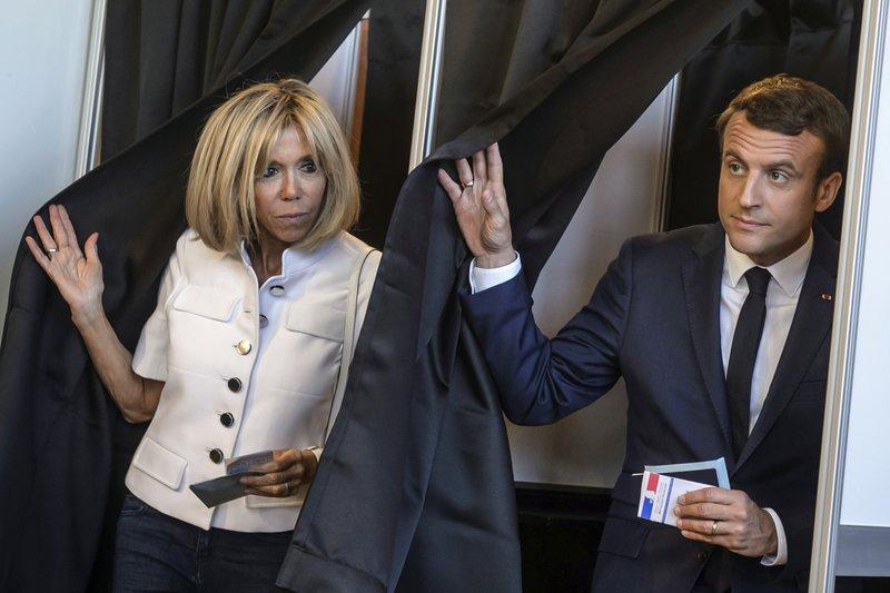 Frances Macron Quiere Darle Un Cargo Oficial A Su Esposa