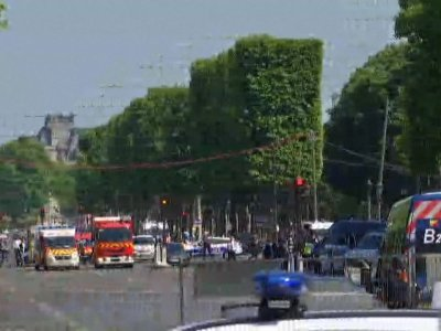 Car Rams Into Police Vehicle In Paris