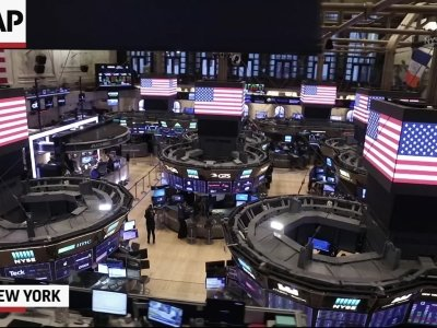 Wall Street Observes Moment of Silence for 9/11