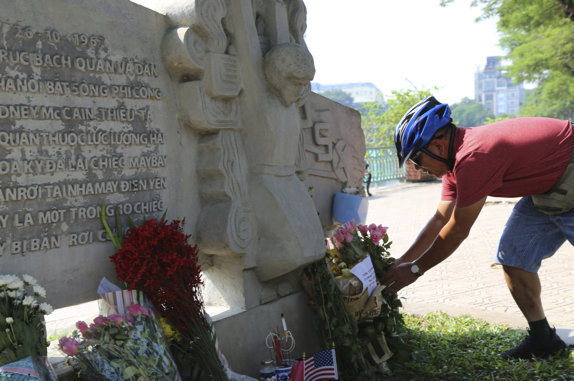 Former Vietnamese jailer says he respected late Sen. McCain