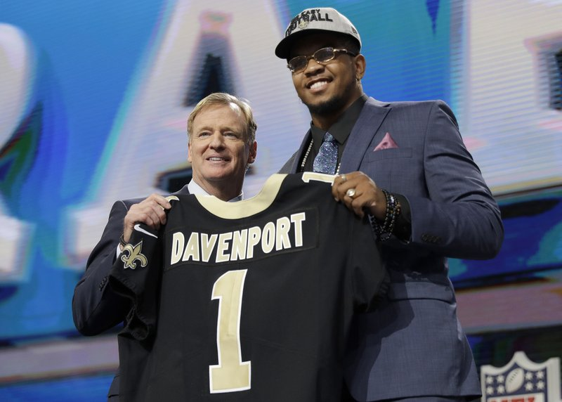separation shoes a0fb3 8bd8e Saints trade up to bolster edge pass rush with Davenport