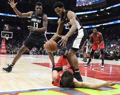 75c5e3ac012 ATLANTA (AP) — Jeremy Lin and the Atlanta Hawks expected John Wall s  inevitable scoring burst that came in the third quarter.