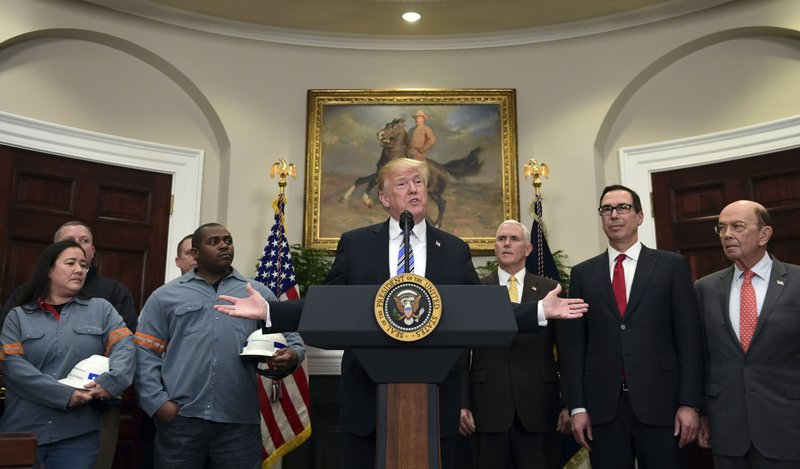 Donald Trump, Mike Pence, Steven Mnuchin, Wilbur Ross