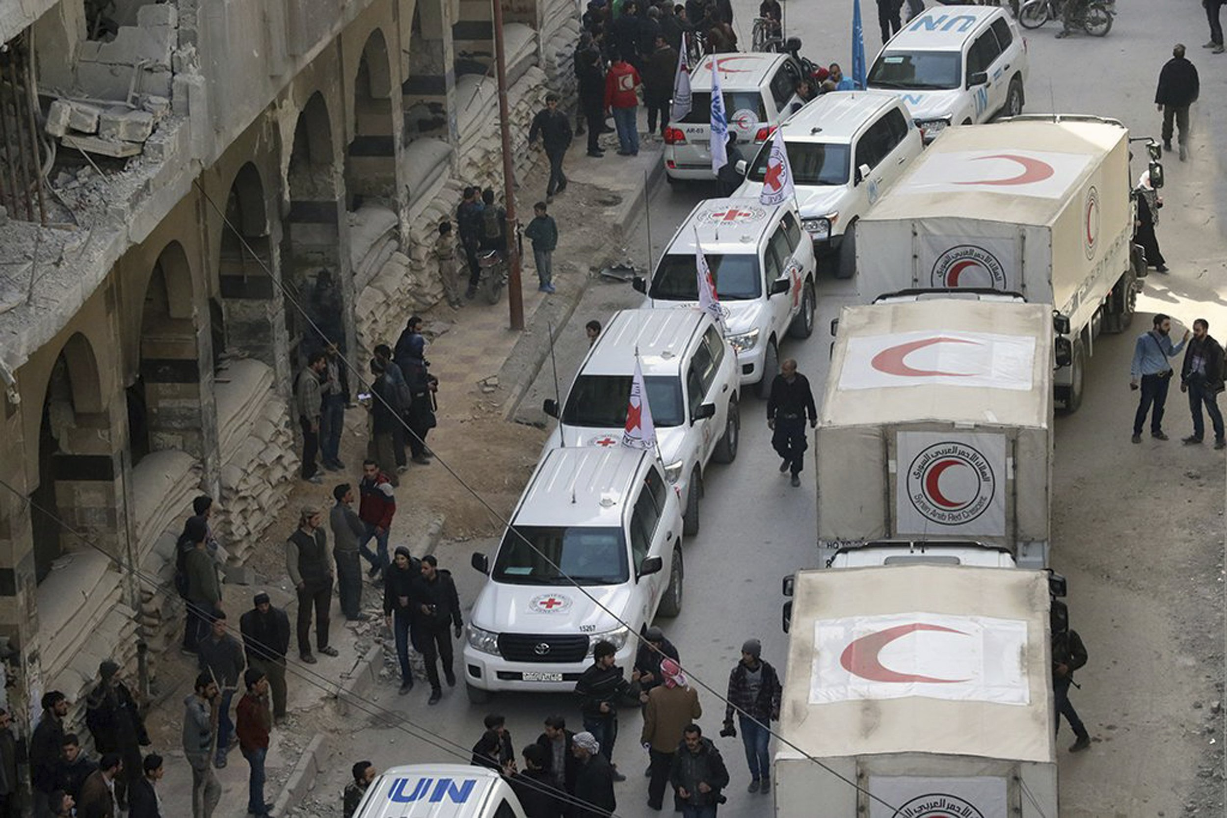 Red Cross postpones aid convoy to Damascus rebel-held suburb thumbnail