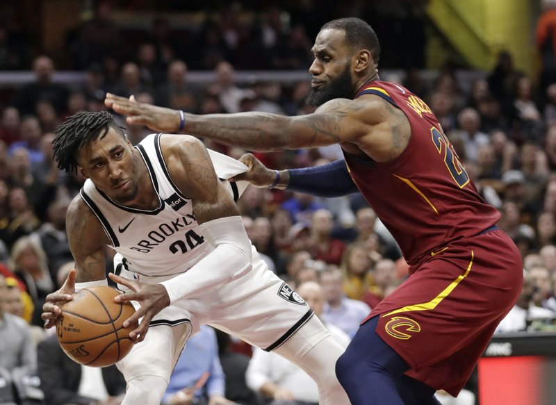 LeBron James, Rondae Hollis-Jefferson