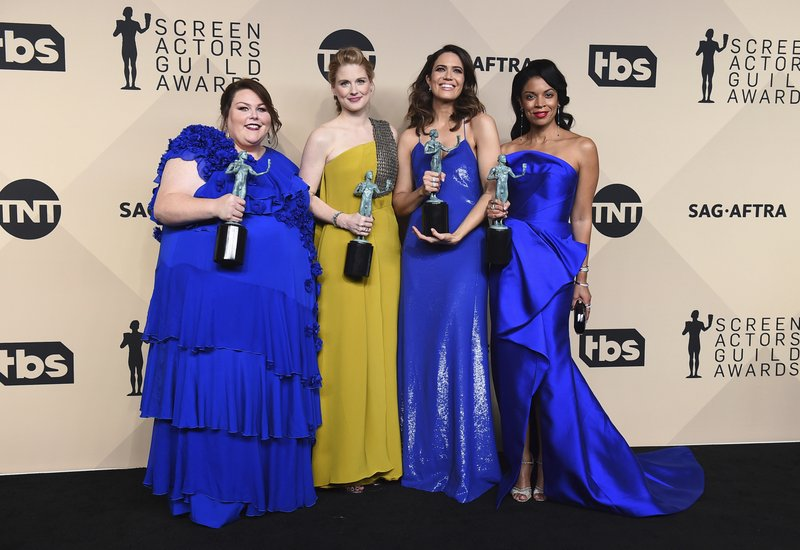 Chrissy Metz, Alexandra Breckenridge, Mandy Moore, Susan Kelechi Watson