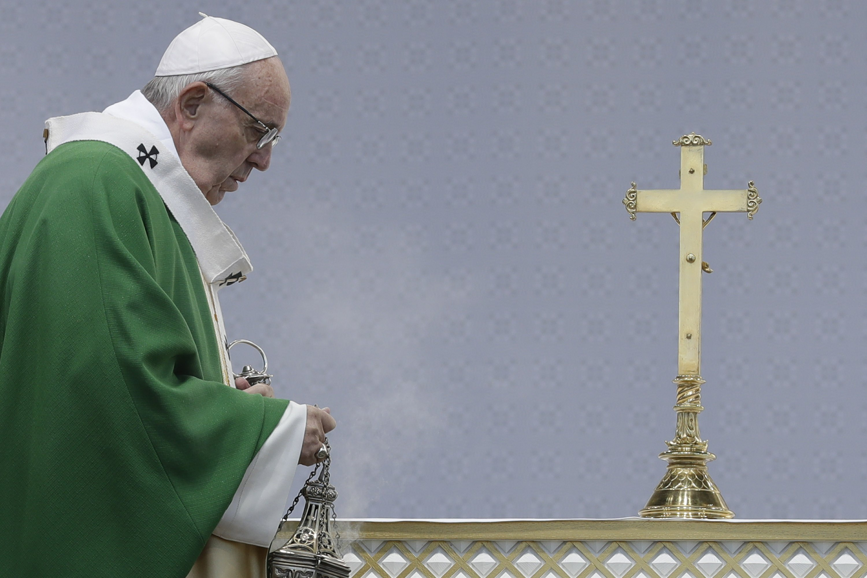 Pope warns Lithuanians to guard against anti-Semitism