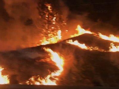 Explosive wildfire shuts part of Calif. freeway