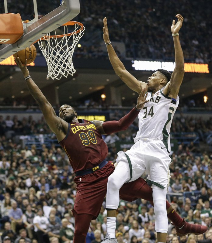 Jae Crowder, Giannis Antetokounmpo