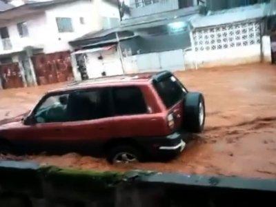 Raw: Hundreds Missing in Sierra Leone Mudslides
